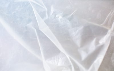 Tarps vs Plastic Sheeting – Differences and Similarities